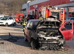 auto bruciata castronno