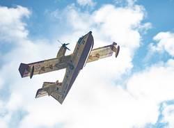 Canadair in azione a Sesto Calende