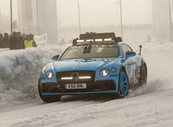 Bolidi sul ghiaccio: benvenuti alla Ice Race