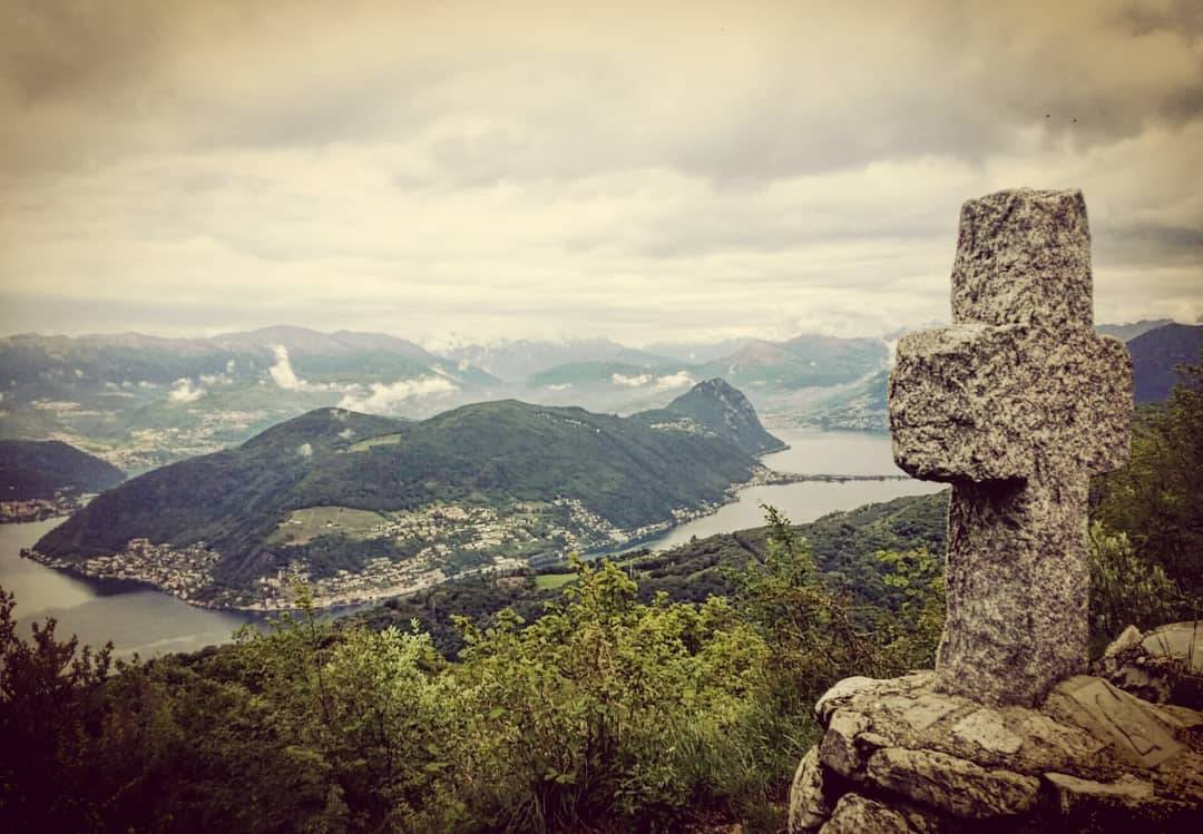 Storie di Contrabbando romantico al confine con la Svizzera
