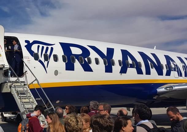 Coronavirus: Israele non fa sbarcare i passeggeri di due aerei dall'Italia