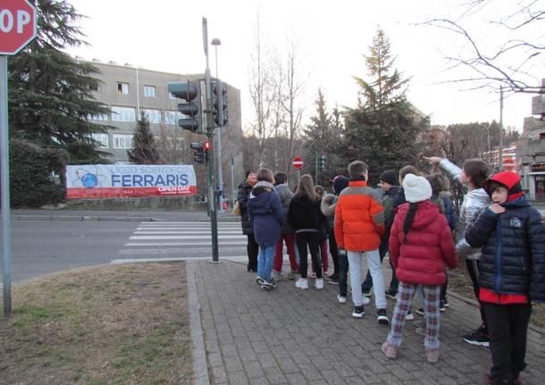 Gli alunni della Galilei in visita al Ferraris
