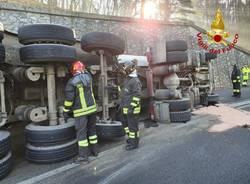 Incidente A26 arsago Seprio - foto dei vigili del fuoco