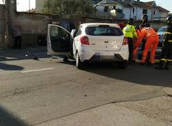 Incidente in via Novara a Legnnao frontale  2