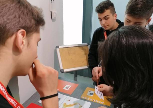 Studenti spiegano i terremoti al Museo Tattile