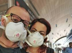 alessandro lucca elena macaluso mascherina aeroporto dubai coronavirus