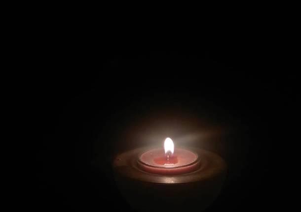 candela lutto coronavirus