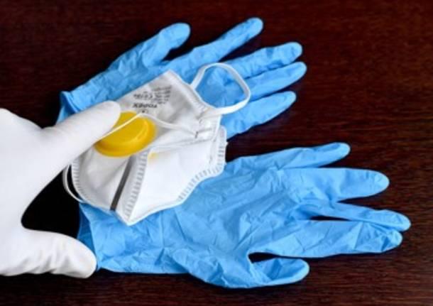 guanti coronavirus