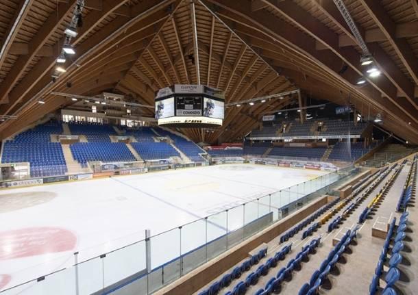 hockey svizzera palaghiaccio