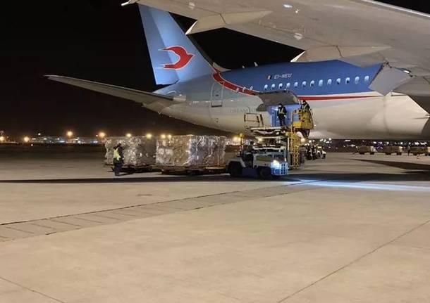 Neos Air porta 25 tonnellate di aiuti dalla Cina a Malpensa