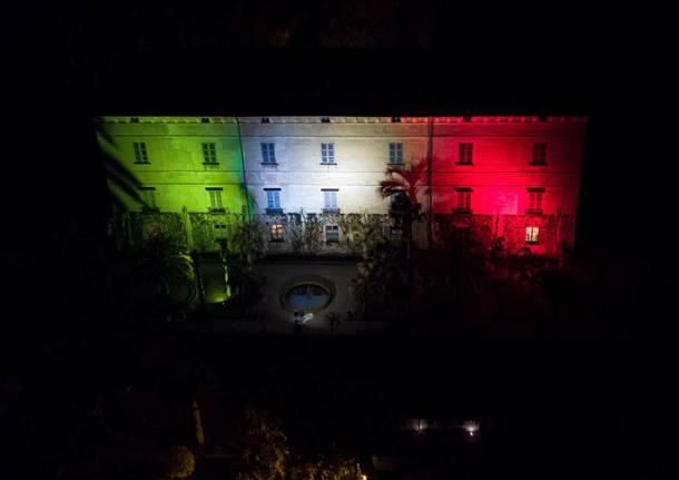 La Rocca e le Isole illuminate con il tricolore