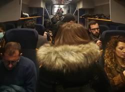 sovraffollamento pendolari trenord coronavirus