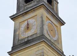 Tronano a Bizzozero le lancette della chiesa
