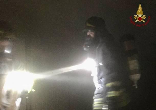vigili del fuoco incendio milano