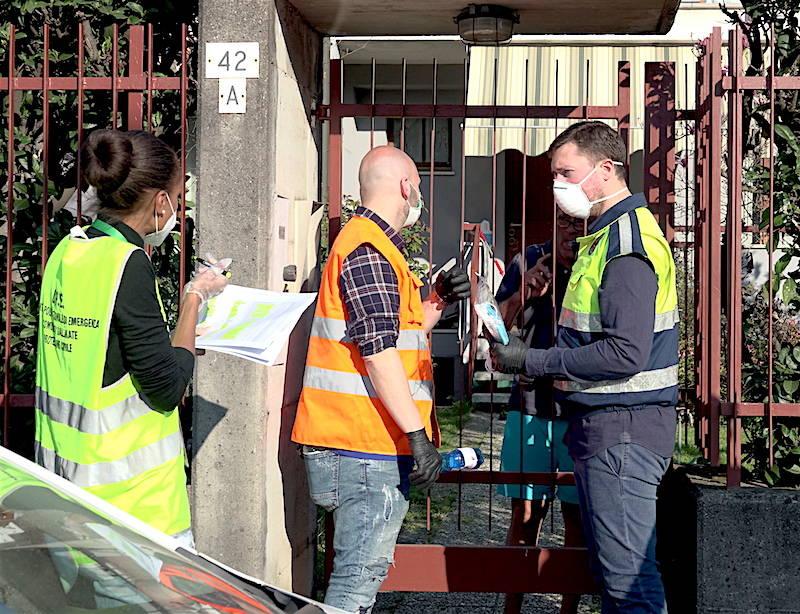 La consegna delle mascherine a Gallarate