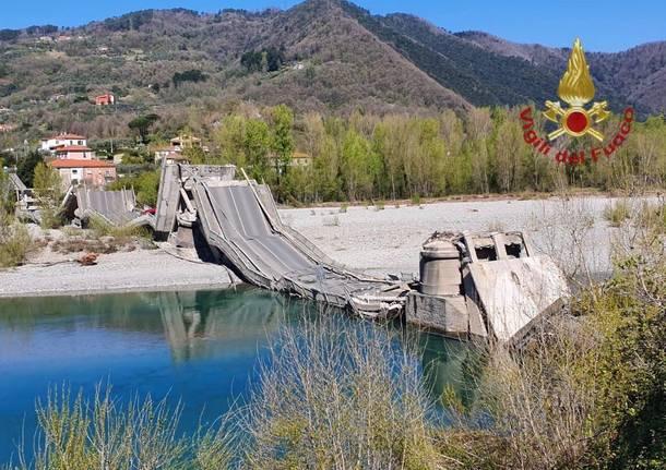 Crollato il ponte sul Magra tra Liguria e Toscana