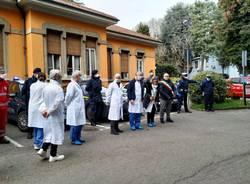 """Il """"grazie"""" di Saronno a medici e infermieri dell'ospedale cittadino"""