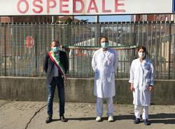 La città porta omaggi all'Ospedale di Busto