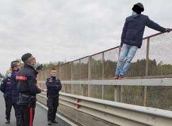 tentato suicidio carabinieri