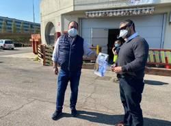 Visiere protettive made in Casciago donate alla Polizia di Stato