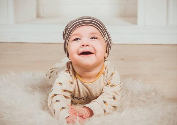 bambino sorriso neonato