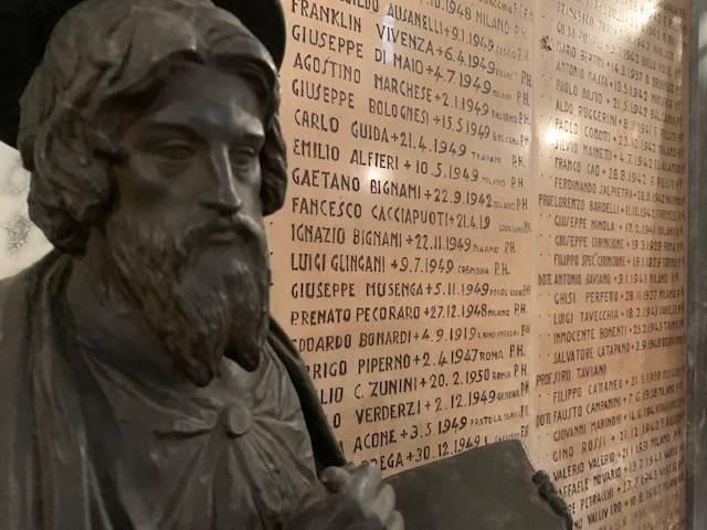 Medici e sanitari caduti per coronavirus, il ricordo al sacrario di Duno