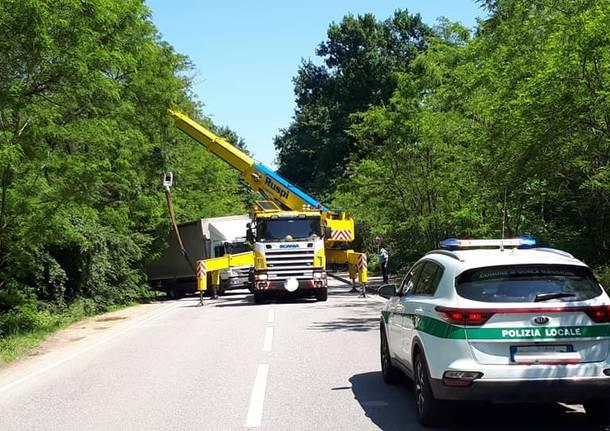 La Protezione Civile di Gorla Maggiore rimette in strada un camion