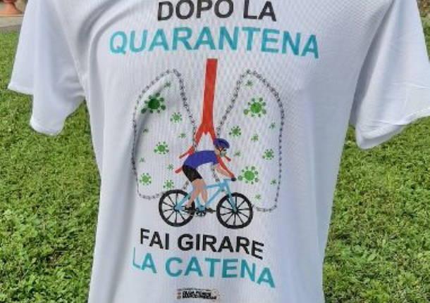 """Le magliette \""""antivirus\"""" a favore del pedale giovanile"""