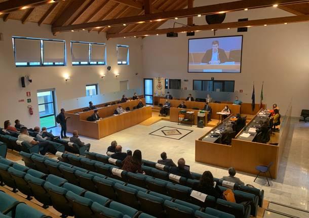 Consiglio comunale a Gallarate in periodo di pandemia