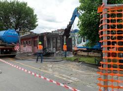 """Demolizione palazzina """"ex taxi"""" in zona stazioni Varese"""