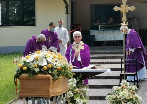 Il funerale del dottor Bruno Nicola a Gorla Minore