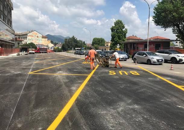 I parcheggi per i bus in viale Milano a Varese
