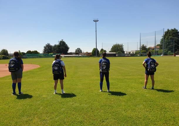 Le atlete del Saronno Softball tornano ad allenarsi sul campo