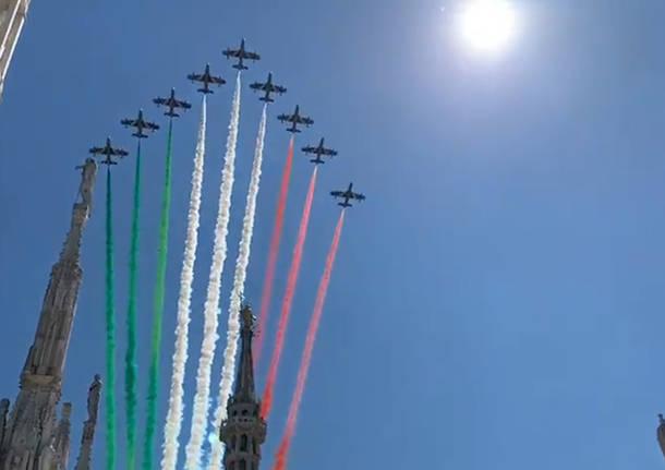 Le Frecce Tricolori su Milano