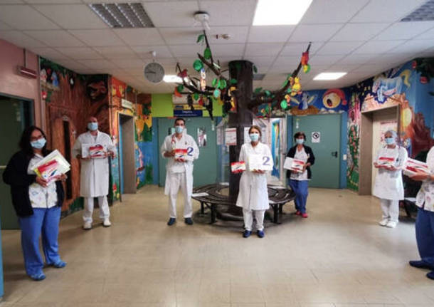 Busto Arsizio - Pigna dona 200 kit scuola ai bambini della Pediatria di Busto Arsizio - Busto Arsizio/Altomilanese - Varese News