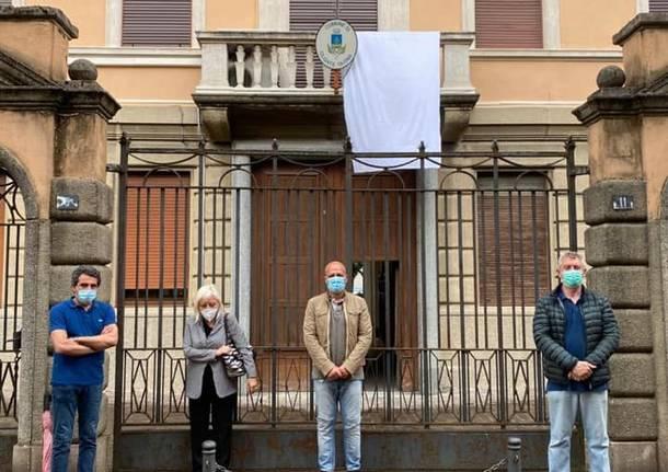 Un lenzuolo bianco per ricordare Giovanni Falcone a Olgiate Olona