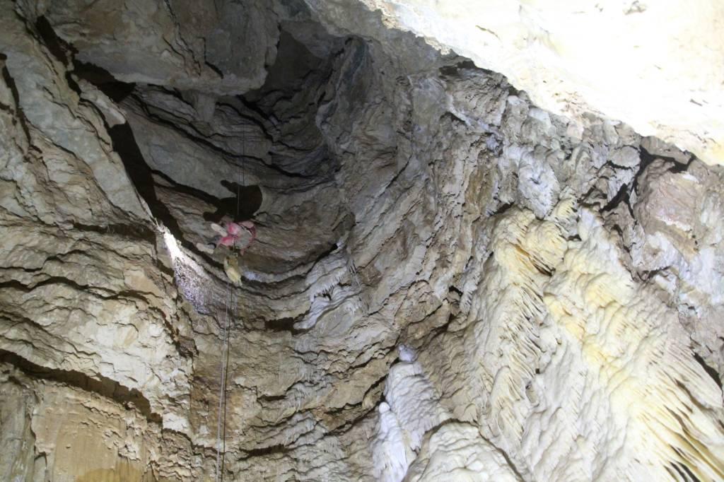 Campo dei Fiori, grotta