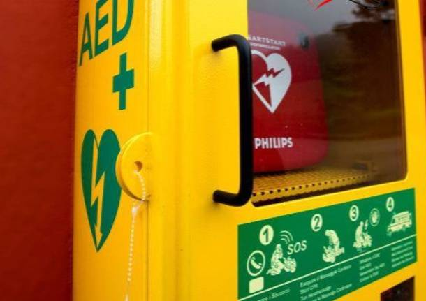 Dae defibrillatore semiautomatico