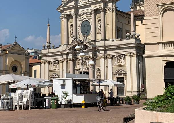 dehors chiosco busto arsizio piazza san giovanni