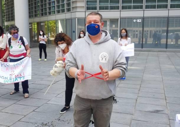 Flash mob a Palazzo Lombardia per i disabili gravi