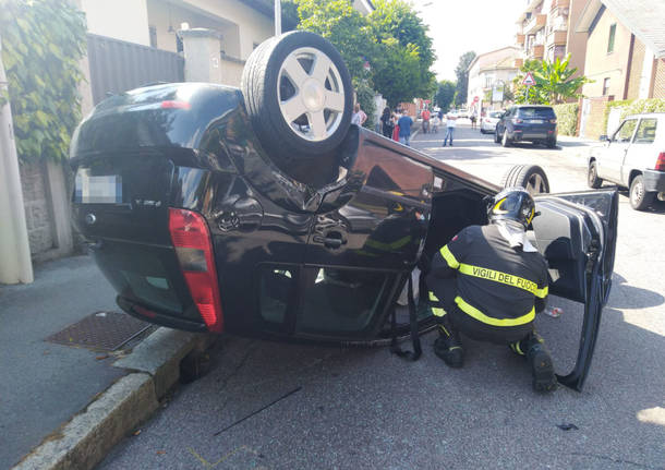 incidente in via genova a legnano