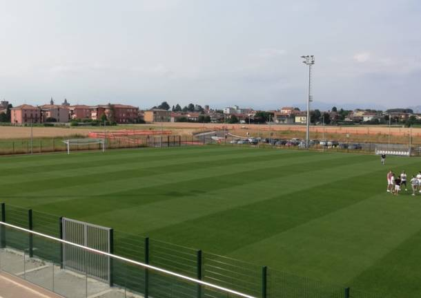 Lavori completati al nuovo centro sportivo di Cislago: il Cistellum calcio testa il campo