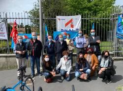 protesta sindacati prefettura