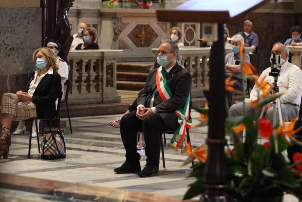 Saronno ringrazia don Aldo Ceriani per i suoi 40 anni di sacerdozio