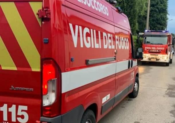 Vigili del fuoco di Lazzate al lavoro