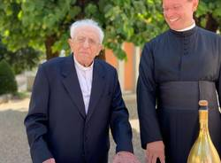 100 anni al fianco dei cittadini di Origgio, festa per don Cesare Catella