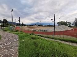 I lavori al campo di calcio di Maccagno