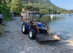 Pulizia spiagge a Castelveccana
