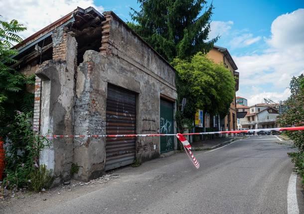 Edificio pericolante, chiuso un tratto di via Gasparotto