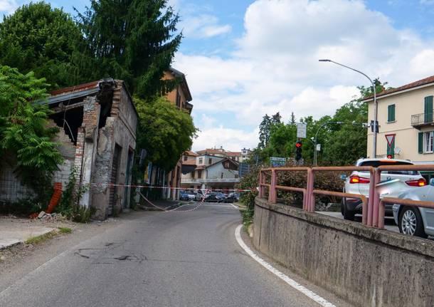 Edificio pericolante, chiusa una parte di via Gasparotto